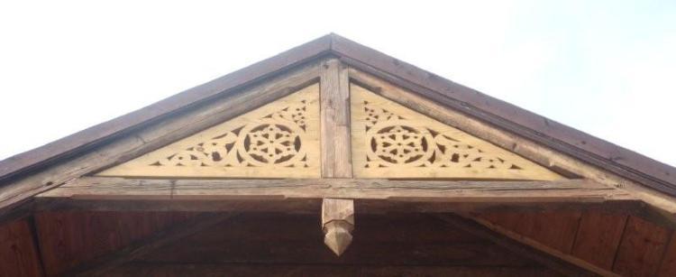 Looduslik linaseemneõli kohaldatakse dekoratiivne hoone element